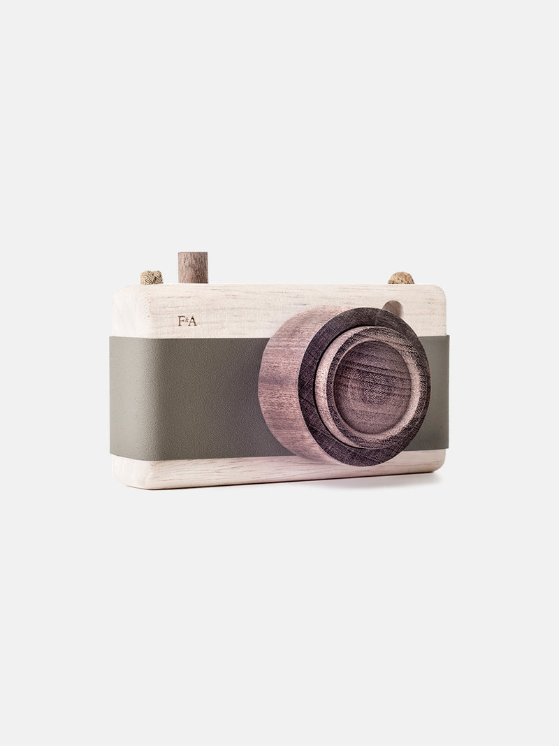 Wooden Camera Fern Fond Green