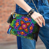 Woman Wearing Small Leather Crossbody Bag With Chain - Diamond Painting