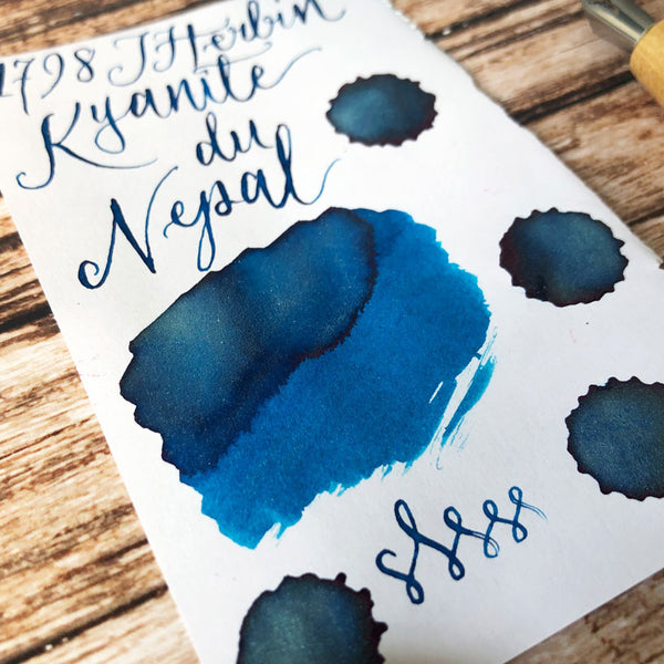 J Herbin Kyanite du Nepal ink swatch close up on Rhodia  paper