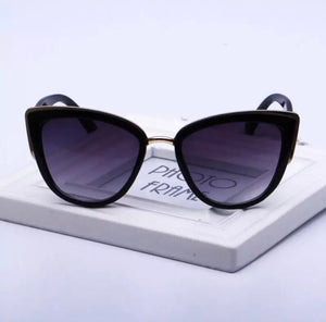 Cat eye black gradient sunglasses