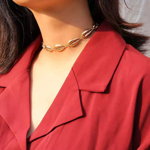 Gold shell statement choker