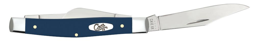 Front view of the Navy Blue Synthetic Smooth Medium Stockman open showing the clip blade
