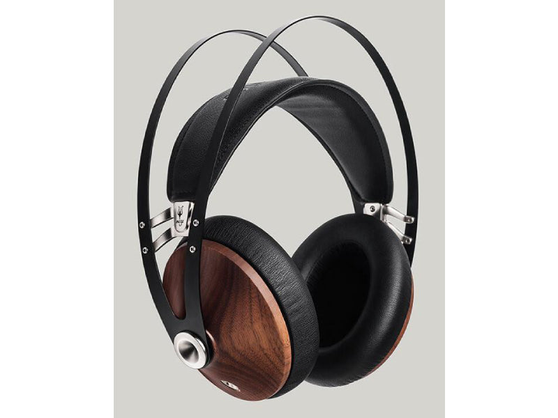 Meze 99 Classics Closed Headphones