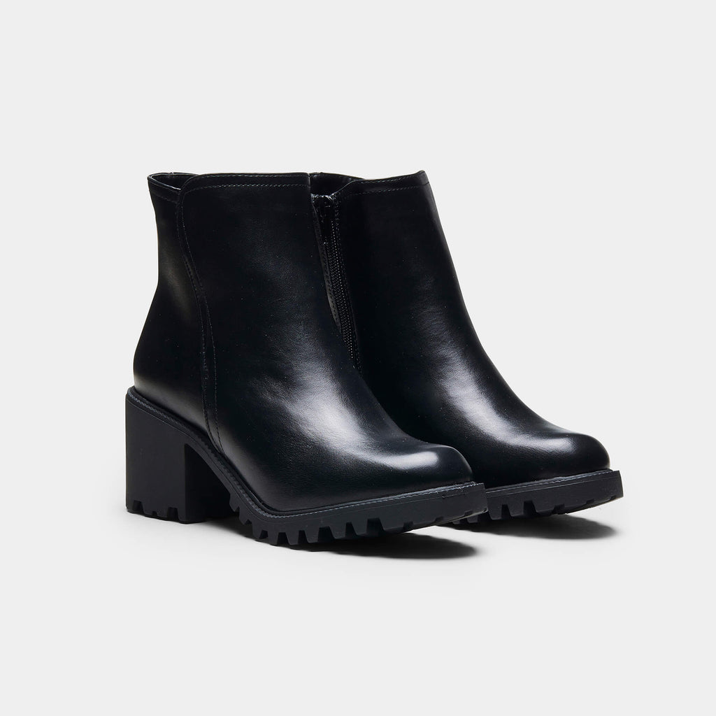 CASS Rugged Sole Zip up Boots view 2