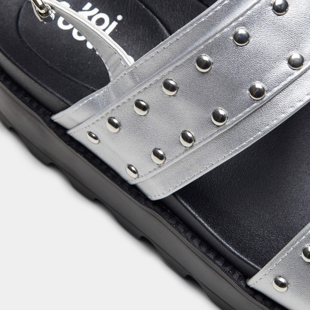 SOLITUDE Studded Strap Chunky Sliders view 4