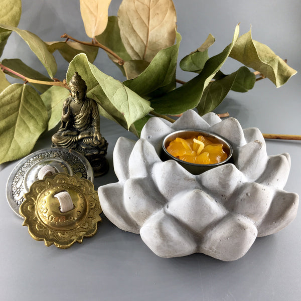Lotus indoor/outdoor tealight holder