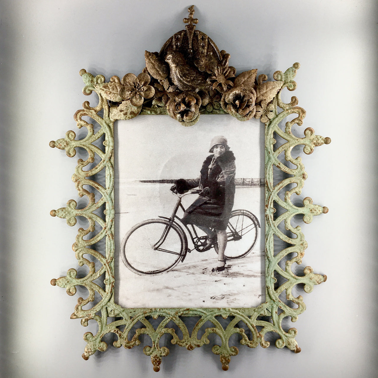Abbey Wall Frame Vintage Style Rustic Metal