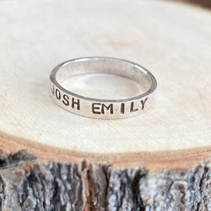 PERSONALIZED RING FOR MOM