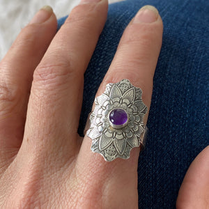 MANDALA RING IN SILVER AND AMETHYST