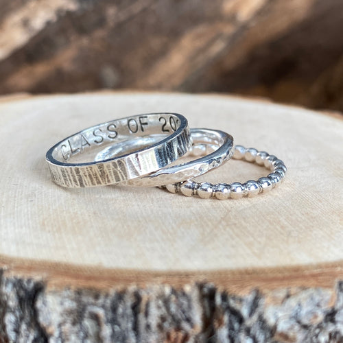 SHINY GRAD RING STACK - SET OF 3