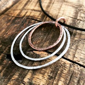 TRIPLE HOOP PENDANT IN COPPER AND SILVER