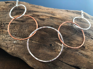 SILVER AND COPPER STATEMENT 5 HOOP NECKLACE
