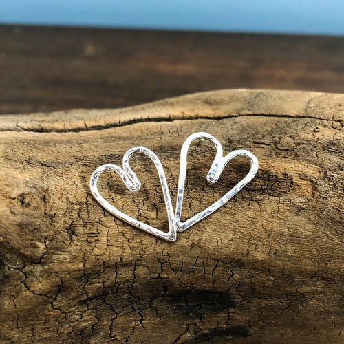 HAMMERED HEART POST EARRINGS