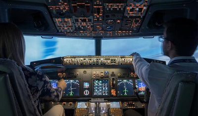 Fly a Boeing 737-800 NG in a flight simulator in Montreal by AéroSim Expérience - Montréal