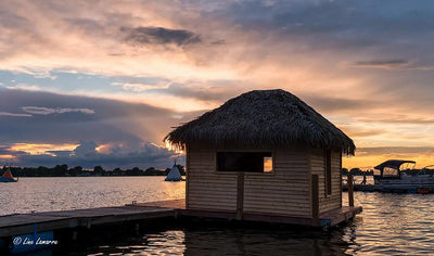 One night in a floating hut on the Richelieu River! by Domaine Pourki