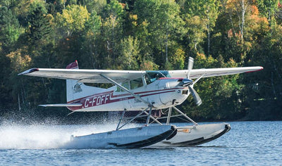 Fly away for a meal by the lake! by Québec Hydravion