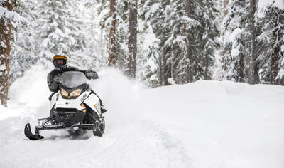 Snowmobile Adventure, a 6-hour hike for 2! by Stadacona Aventures