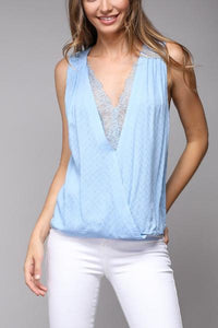 Lace Scallop V-Neck Sleeveless Top