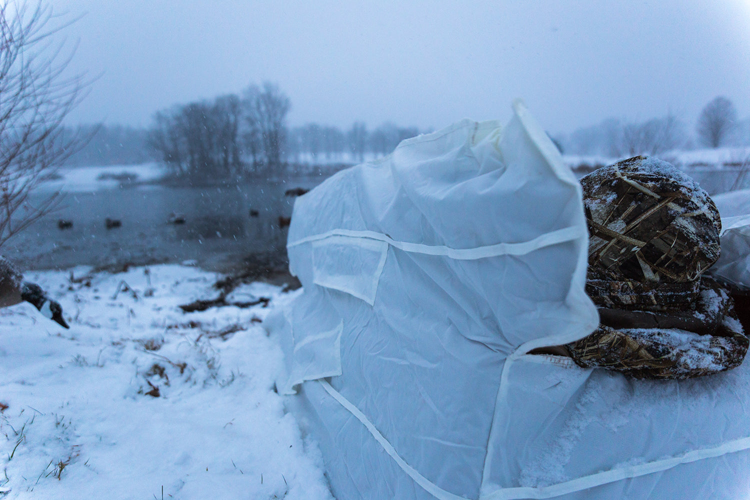 Flight Series Blind Snow Cover Tanglefree Shop