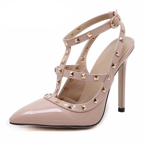 Fashion Sexy Rivets Pointed Toe Shoes