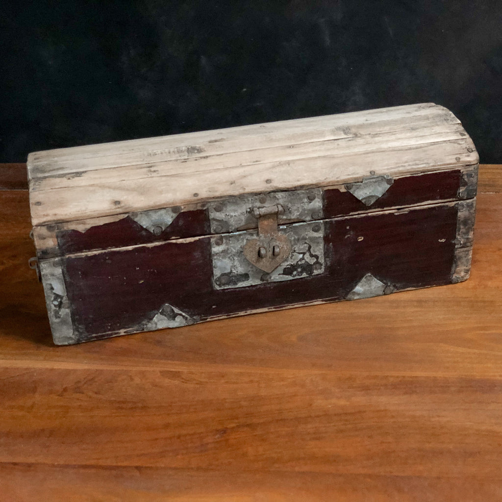Antique Chinese Headrest Box - Royal Circus