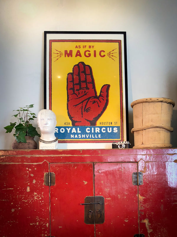 Magic Hand - Paper - Royal Circus