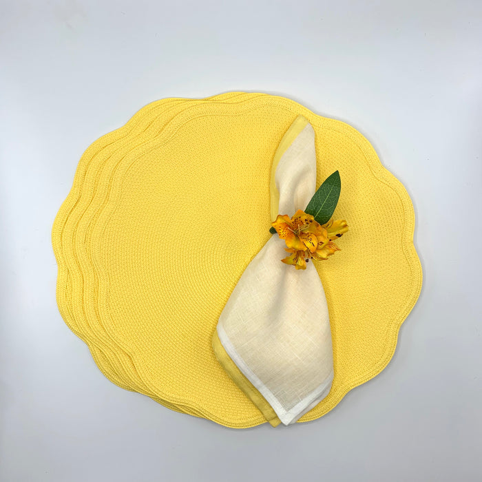 Scallop placemat set