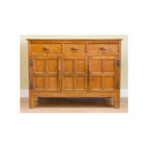 Alan 'Acornman' Grainger (Acorn Industries) Alan 'Acornman' Grainger Antique Solid Oak Sideboard