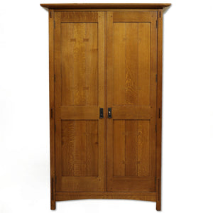 Stickley Furniture Arts & Crafts Mission School Oak Wardrobe 2004
