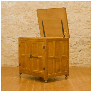 Rabbitman (Ex-Mouseman) Arts & Crafts Yorkshire School English Oak Media Cabinet