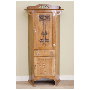 Shapland & Petter, Barnstaple Shapland & Petter, Barnstable Arts and Crafts Oak Hall Cabinet