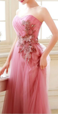 BLOOMING Ladies Gown