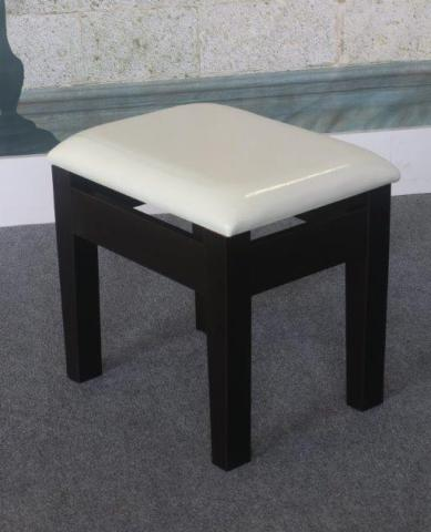 IDUSA DRESSING STOOL K16030