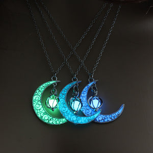 2019 New Hot Moon Glowing Necklace Gem Charm Jewelry Silver Plated Women Halloween Hollow Luminous Stone Pendant Necklace Gifts
