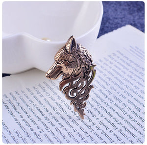 Gold Wolf Elegant Lapel Pin