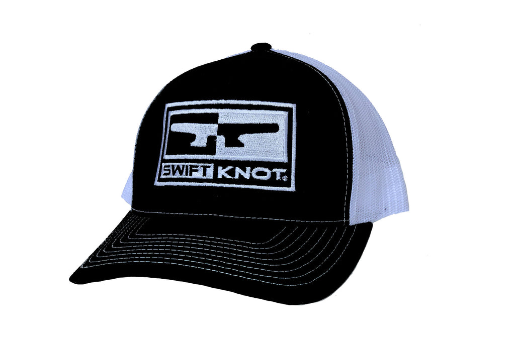 Signature SwiftKnot LOGO HAT - BLACK / WHITE