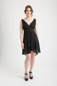 Ruffles Padded V-neck Hi-Low Dress Black (size 6)