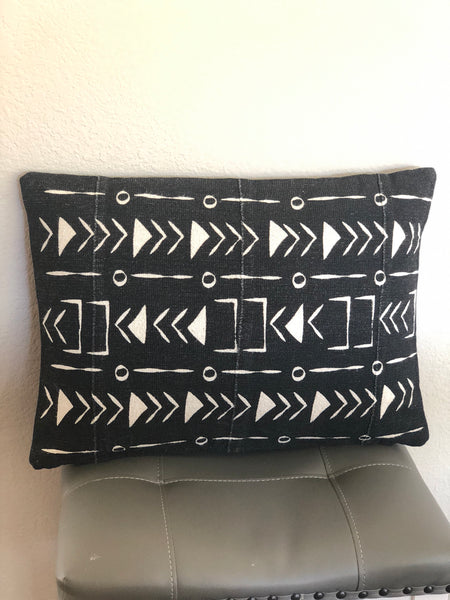 Mudcloth Pillow Black Triangles and Arrows 20 x 14