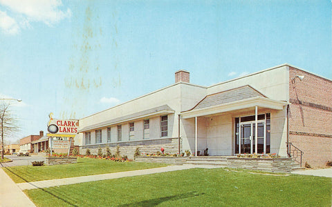 New Jersey. Clark Lanes Bowling Alley. USA Chrome Advertising Postcard