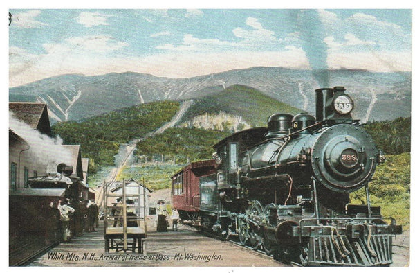 WHITE MOUNTAINS, NH. 1907 LOCOMOTIVE RAILWAY DEPOT POSTCARD. UNITED STATES.