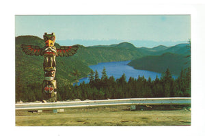 1966. CENTENIAL SALISH BEAR TOTEM POLE CHROME POSTCARD NEAR DUNCAN, BRITISH COLUMBIA. CANADA.