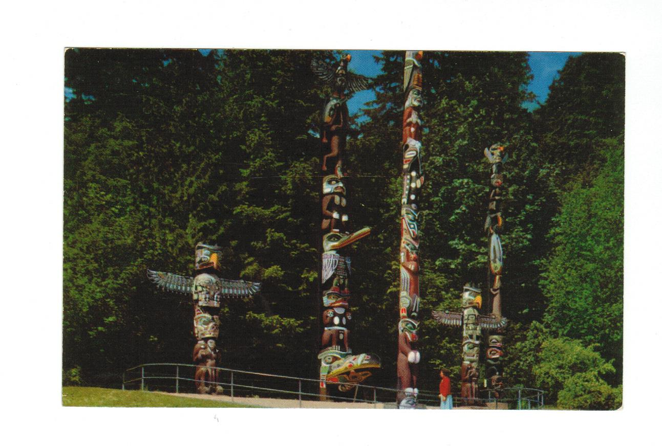 TOTEM POLE POSTCARDS  STANLEY PARK  BRITISH COLUMBIA