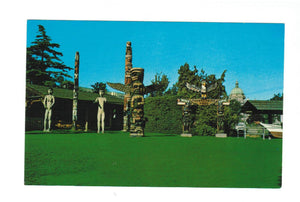 AUTHENTIC TOTEM POLES. THUNDERBIRD PARK, VICTORIA, BC. CHROME POSTCARD. CANADA