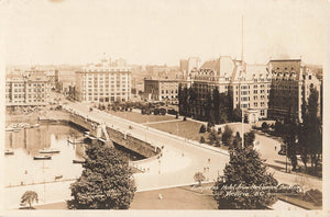 Victoria, BC. RPPC Postcard. Empress Hotel From Parliament Buildings. Gowen. Canada
