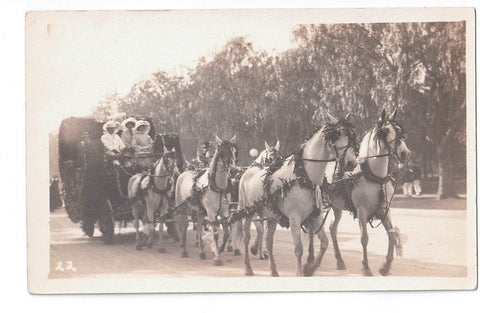 TEAM OF (6) SIX HORSES. RPPC POSTCARD. TAKES A CARRIAGE OF A WELL DRESSED GROUP 1900'S SOMEWHERE SPECIAL