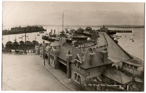 THE ROYAL PIER RPPC POSTCARD SOUTHAMPTON, ENGLAND GREAT BRITAIN