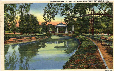 ORNAMENTAL BRIDGE BELLE ISLE PARK DETROIT MICHIGAN U.S. LINEN POSTCARD
