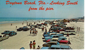 DAYTONA BEACH 1960'S CARS AND SUN SEEKERS U.S. CHROME POSTCARD FLORDIA