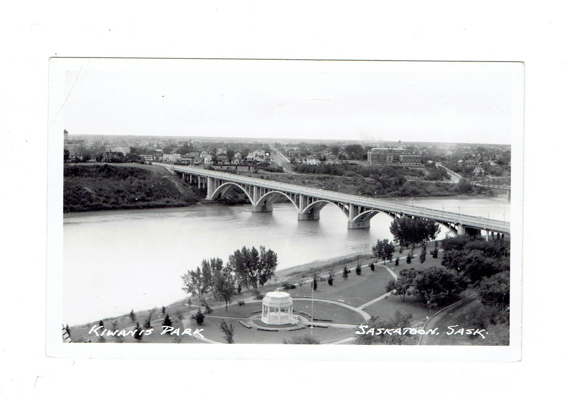 Saskatoon, SK. RPPC Postcard. Kiwanis Park And Bridge. Canada.