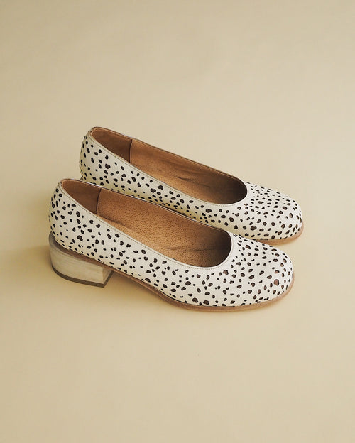 Cream Speckle Pump